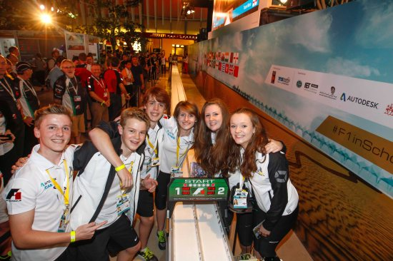 Colossus-F1-break-the-F1-in-Schools-world-record-with-a-time-of-1.003-seconds