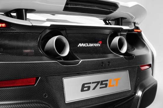 McLaren 675LT_studio_13