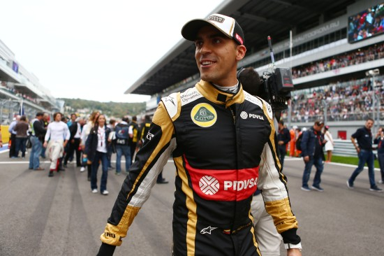 Pastor Maldonado (VEN) Lotus F1 Team on the grid. Russian Grand Prix, Sunday 11th October 2015. Sochi Autodrom, Sochi, Russia.