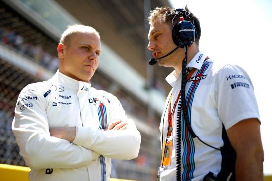 Valtteri Bottas on the grid with Jonathan Eddolls, Race Engineer.