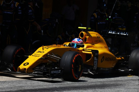 Jolyon Palmer (GBR) Renault Sport F1 Team RS16 makes a pit stop. Spanish Grand Prix, Sunday 17th May 2016. Barcelona, Spain.